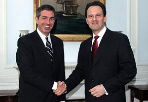 Stavros Lambrinidis takes up duties as Foreign Minister