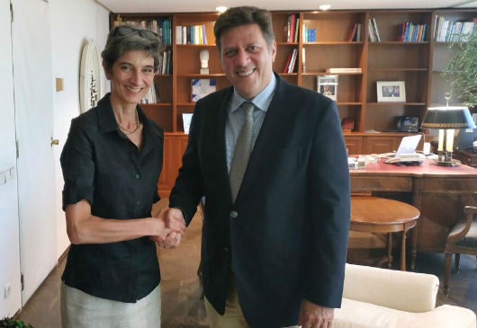 Alternate Minister of Foreign Affairs Miltiadis Varvitsiotis meets with the Ambassador of the United Kingdom, Kate Smith (Athens, 30 July 2019)