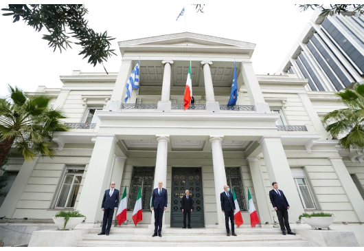 Statements of the Minister of Foreign Affairs, Nikos Dendias, and the Italian Ambassador, Efisio Luigi Marras, during the ceremony expressing Greece's support for Italy (Athens, 3 April 2020)