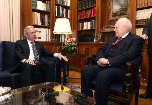 Meeting of President of the Republic K. Papoulias with Foreign Minister D. Avramopoulos at the Presidential Mansion