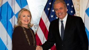 london/avramopoulos_clinton.jpg